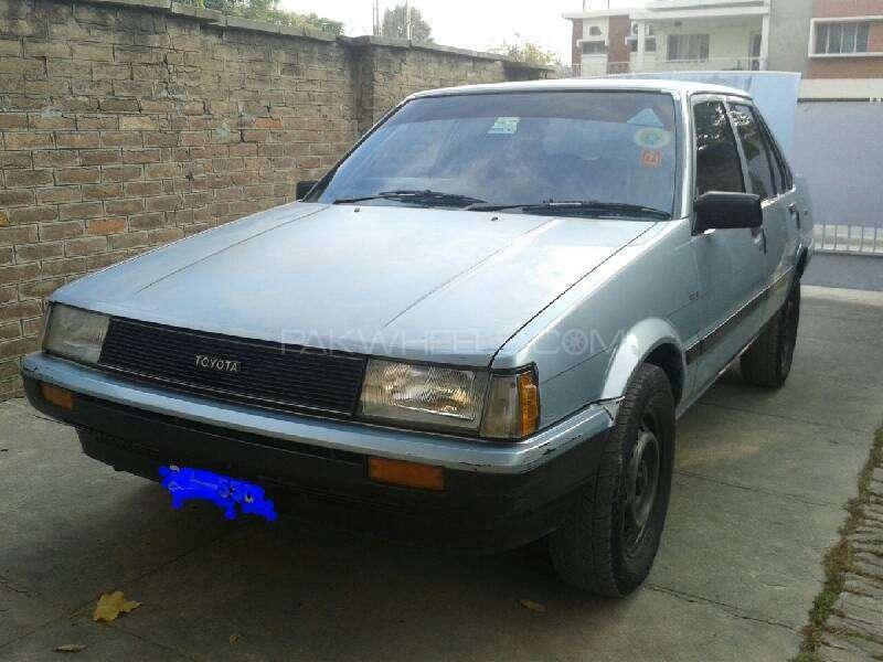 Toyota Corolla DX Saloon 1983 Image-2