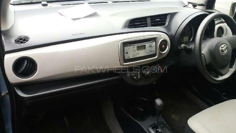 Toyota Vitz 2012 Image-5