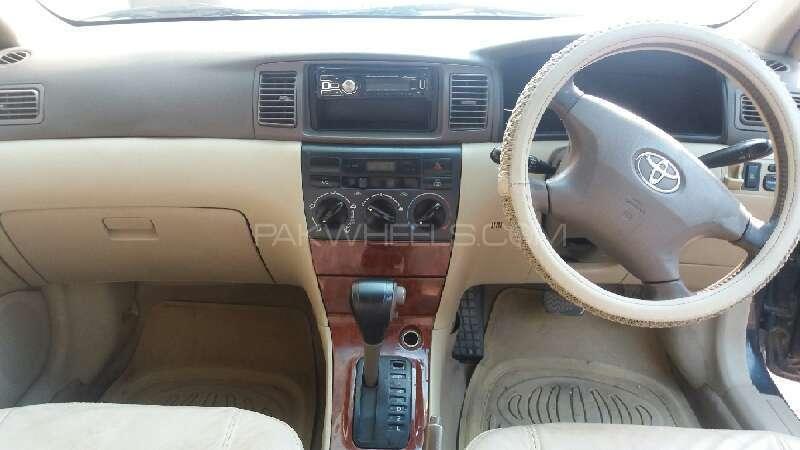 Toyota Corolla SE Saloon 2005 Image-5