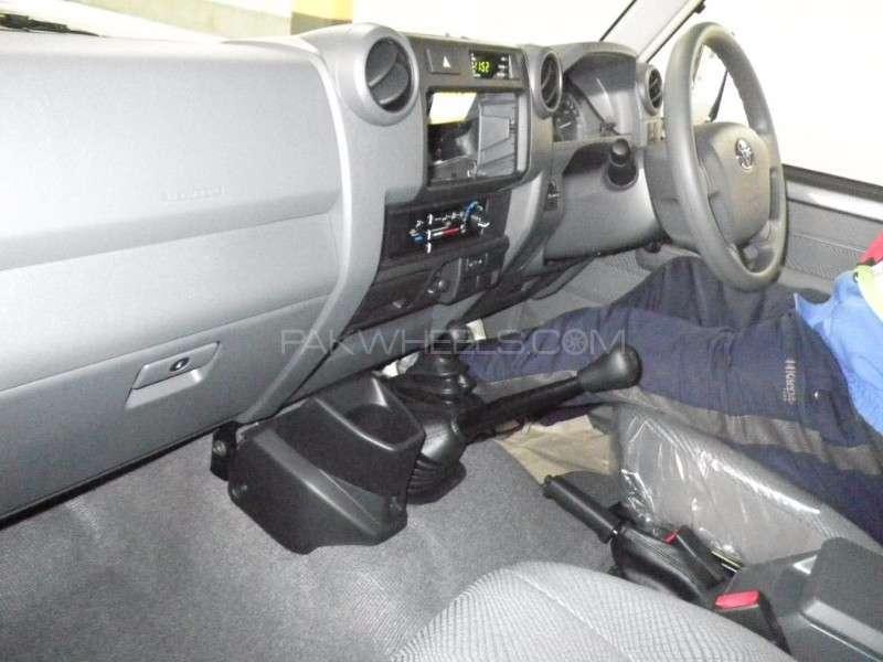 Toyota Land Cruiser GX 2014 Image-6