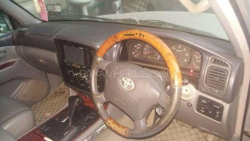 Toyota Land Cruiser VX Limited 4.7 2000 Image-2
