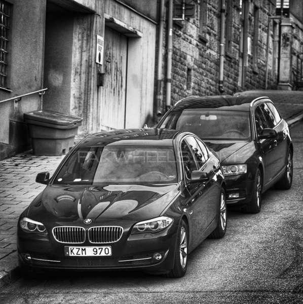 BMW 5 Series - 2011 MoneyGuzzler Image-1