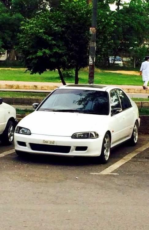 Honda Civic - 1992  Image-1