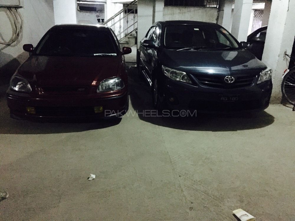 Toyota Corolla - 2011  Image-1