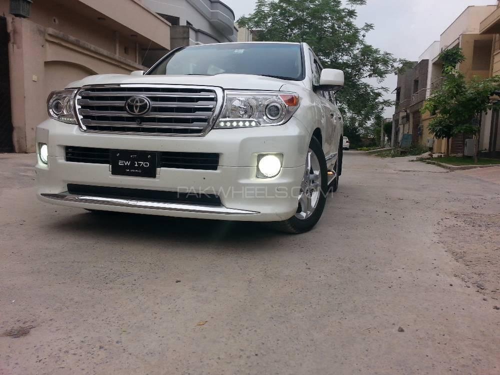 Toyota Land Cruiser - 2011  Image-1