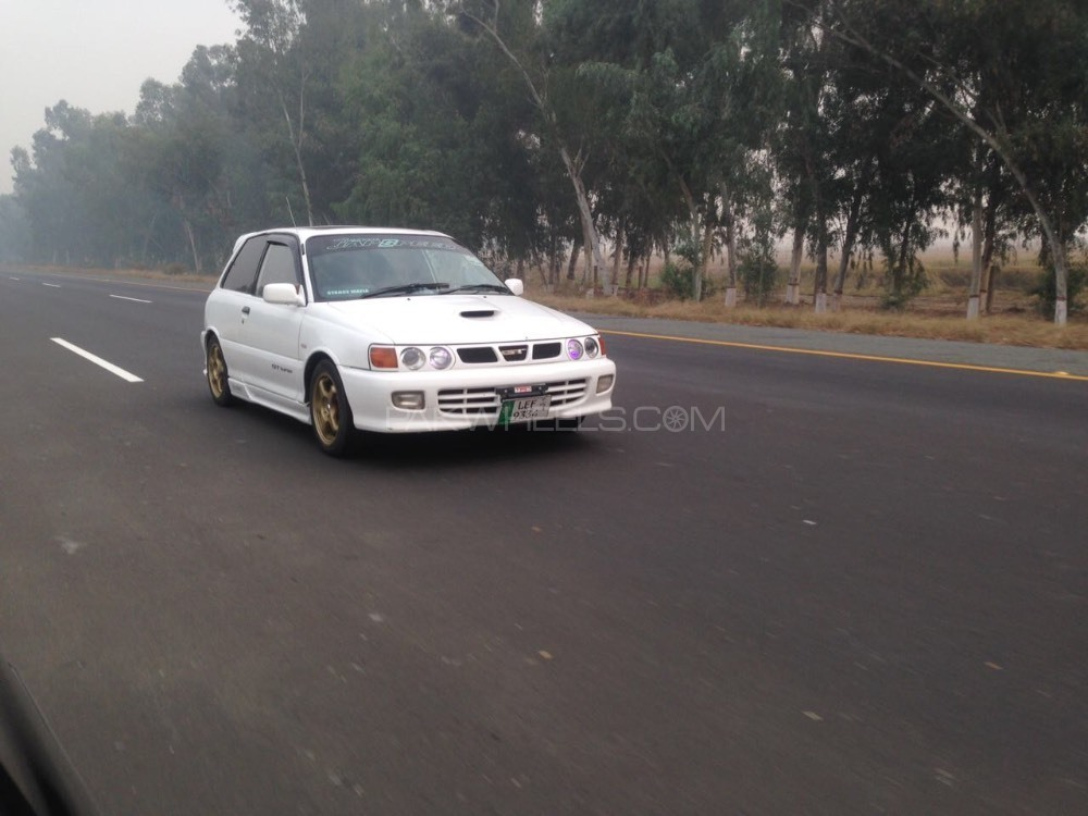 Toyota Starlet - 1992  Image-1
