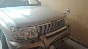 Toyota Land Cruiser - 2005
