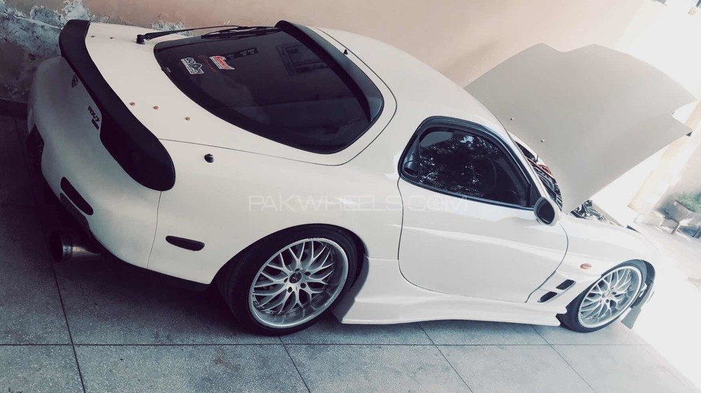 Mazda Rx 7 - 1995  Image-1