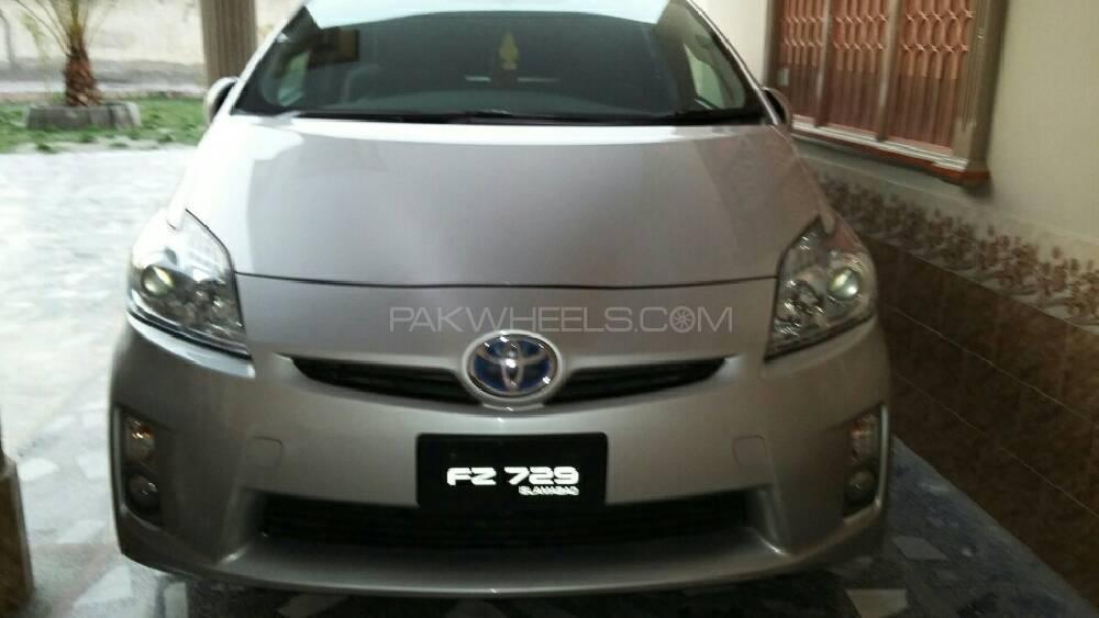 Toyota Prius - 2011 prius  Image-1
