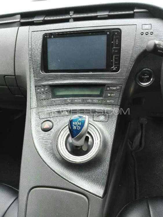 Toyota Prius - 2012 khalid prius Image-1