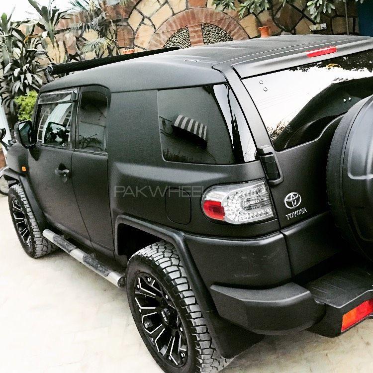 Toyota Fj Cruiser - 2011  Image-1