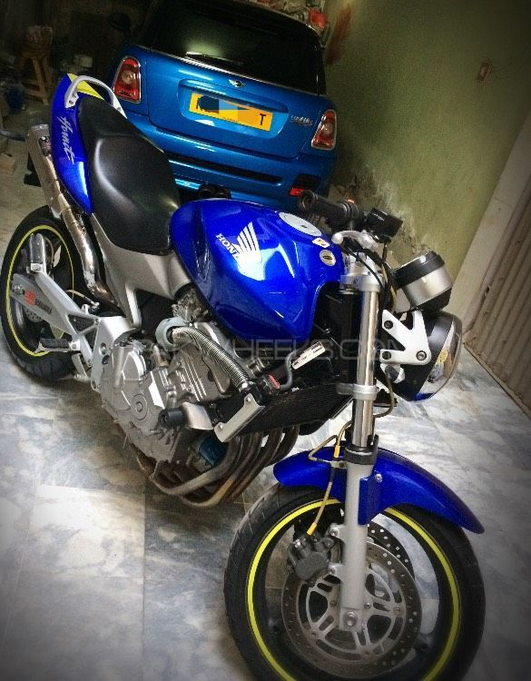 Honda CB 900F - 2005  Image-1