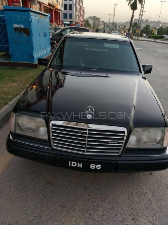 Mercedes Benz E Class - 1984  Image-1