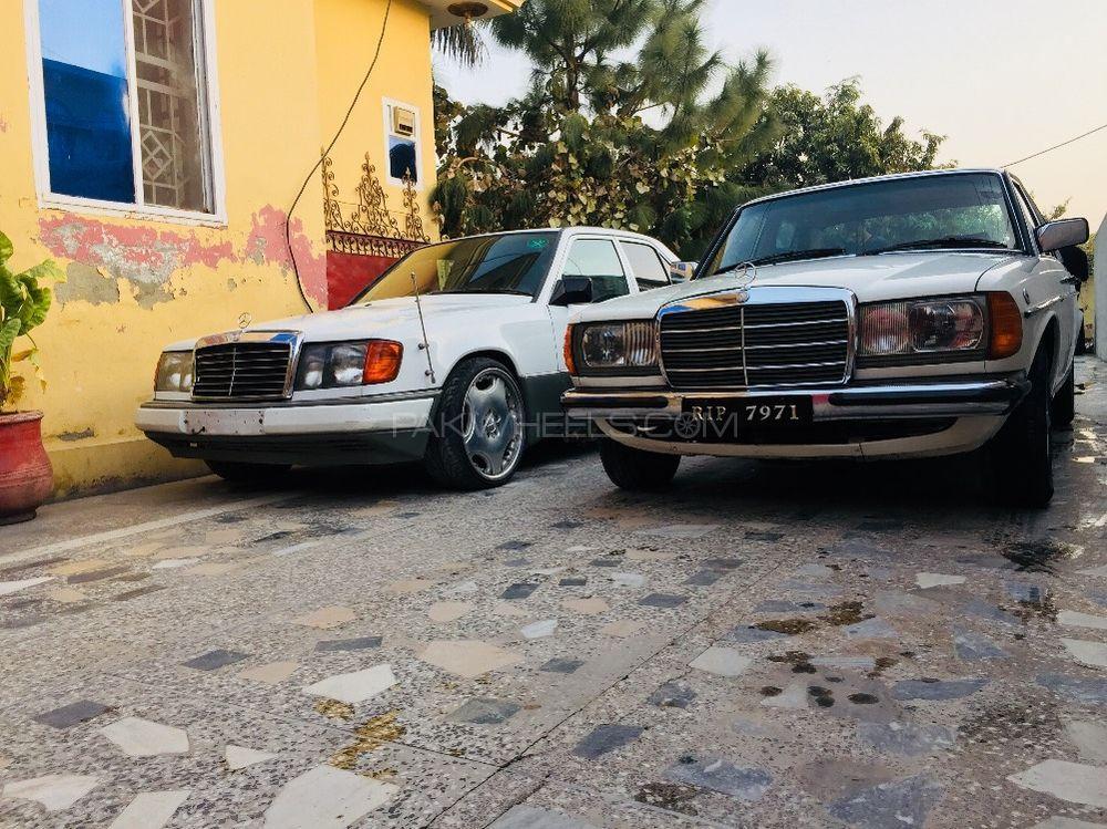 Mercedes Benz E Class - 1988  Image-1