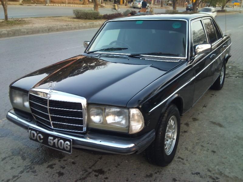 Mercedes Benz D Series - 1982 W123 Image-1