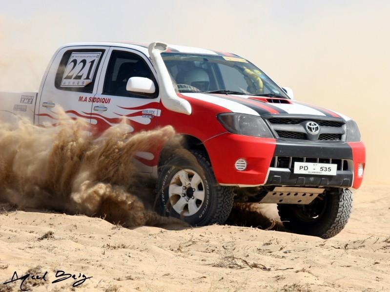 Toyota Hilux - 2005 Vigo Image-2