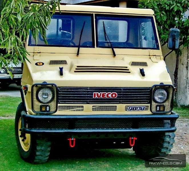 Fiat Iveco - 1985 4X4 Pickup Truck, IVECO VM90 40.10WM Image-1