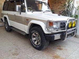 Mitsubishi Pajero - 1990