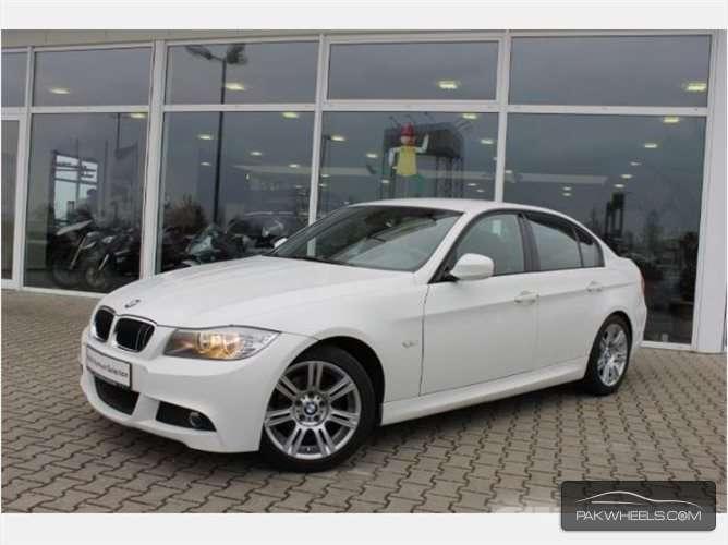 BMW 3 Series - 2011  Image-1