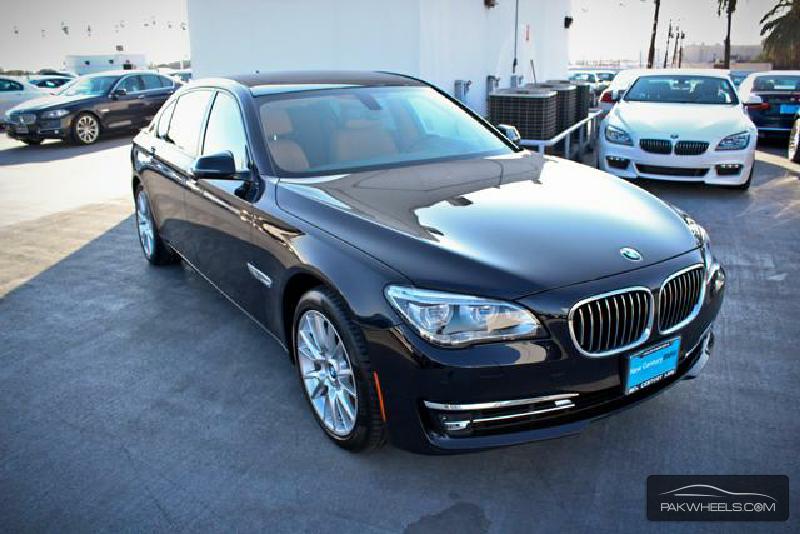BMW 7 Series - 2015  Image-1