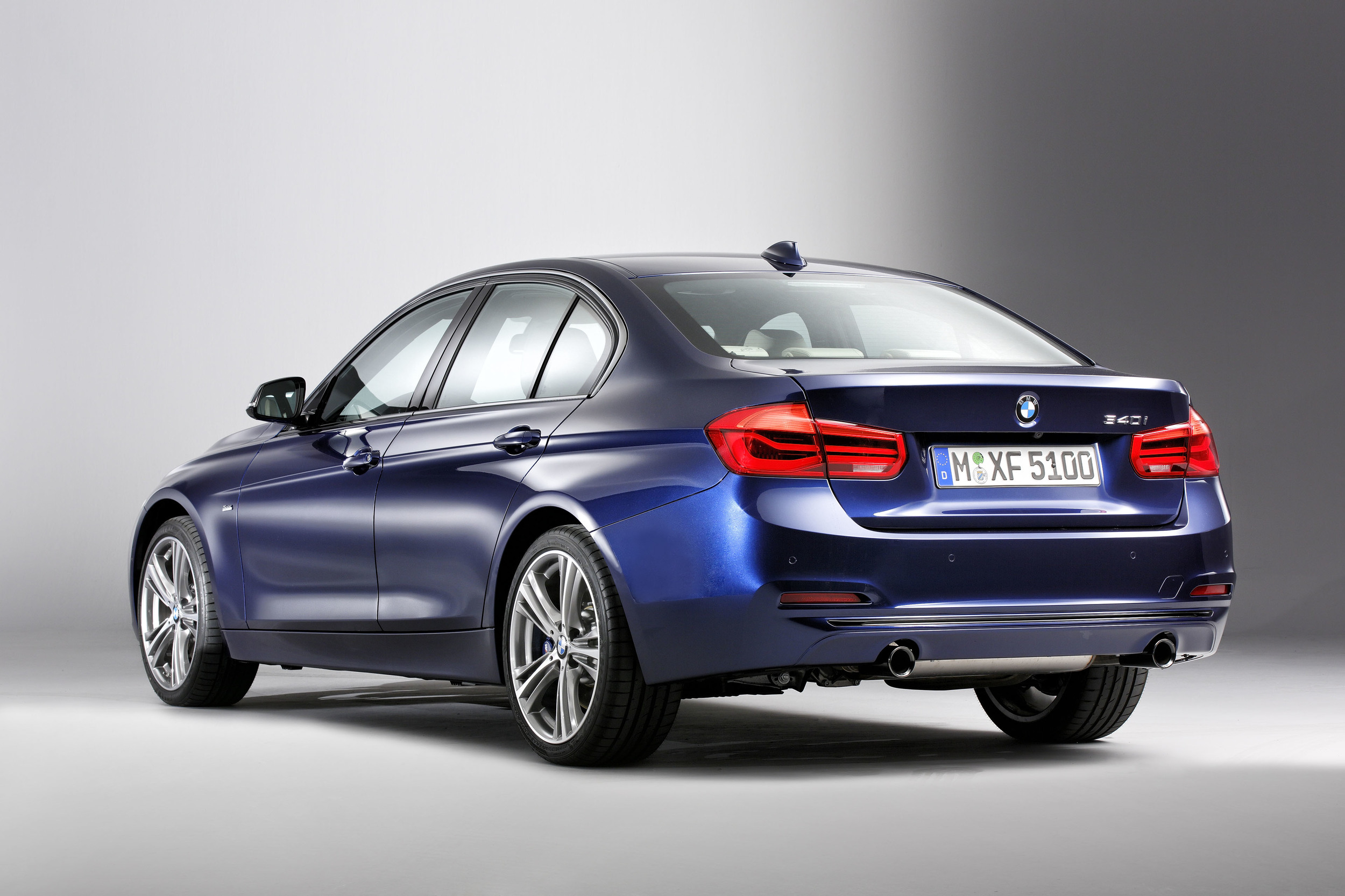 BMW 3 Series 2018 Exterior Rear End