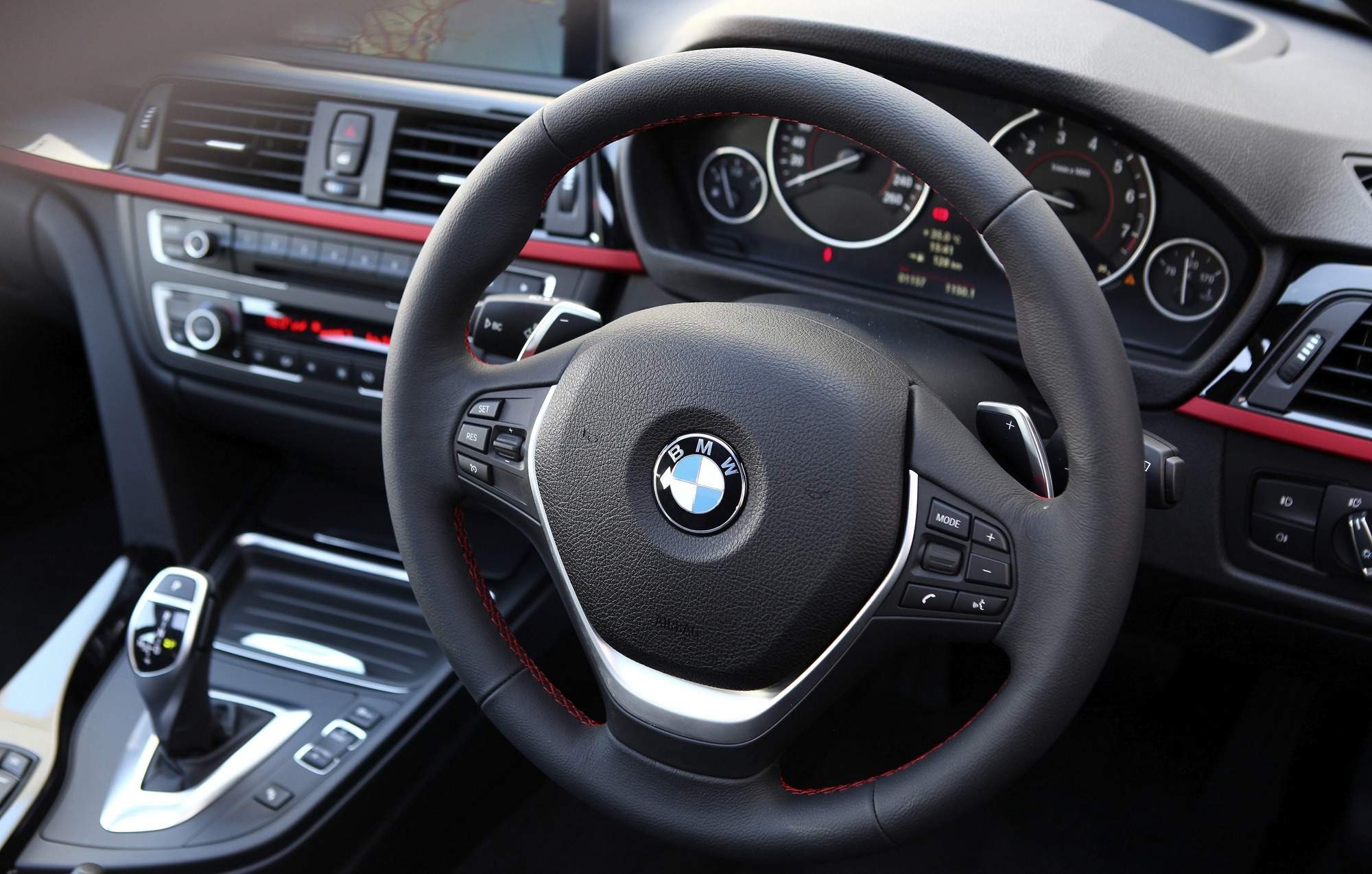 BMW 3 Series 2018 Interior Dashboard