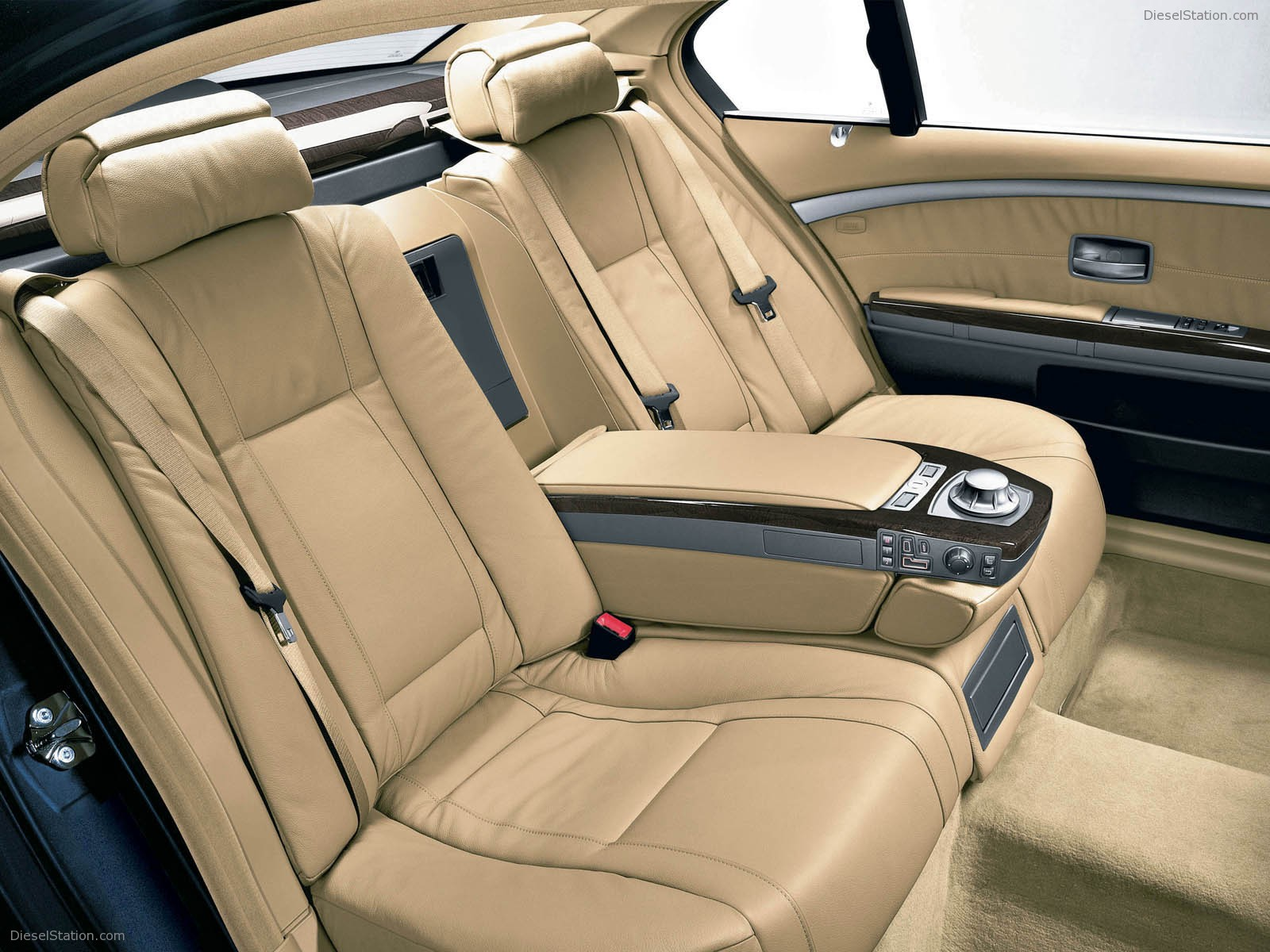 BMW 7 Series 2009 Interior Rear Cabin