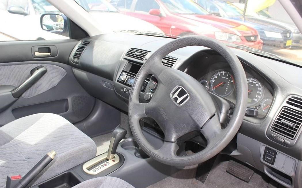 Honda Civic 2004 Interior Dashboard