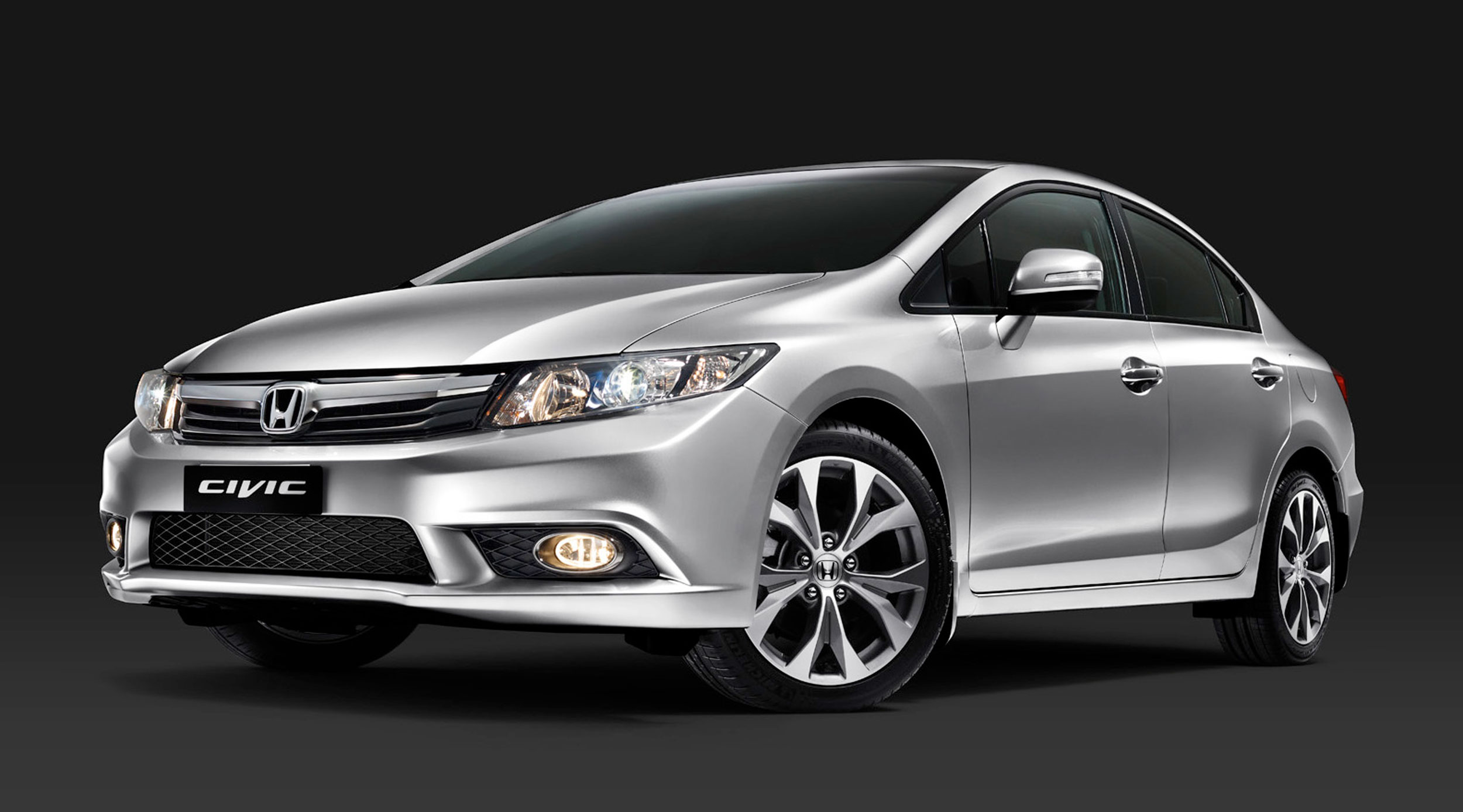 Honda Civic 2016 Exterior Front Side View