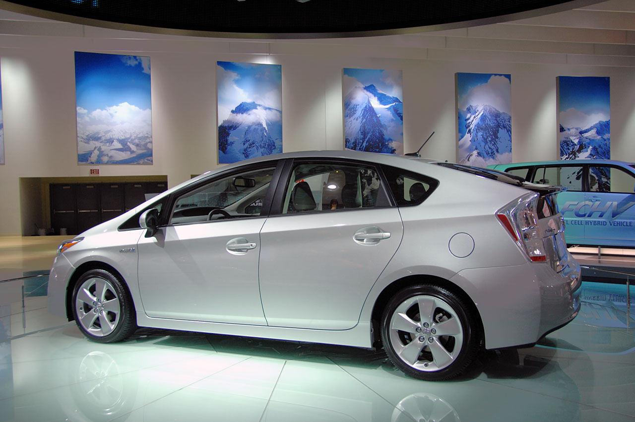 Toyota Prius 2015 Exterior Side View