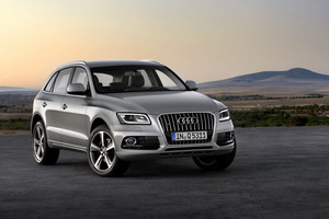 Audi Q5 2017 Exterior Front Side Views
