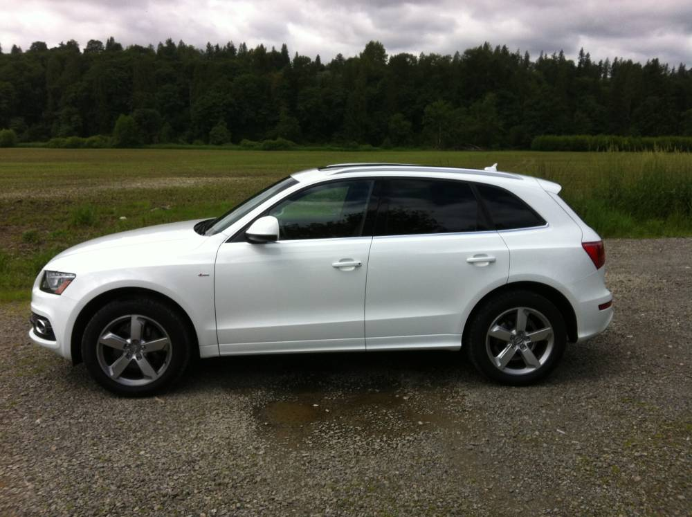 Audi Q5  Exterior Front Side View