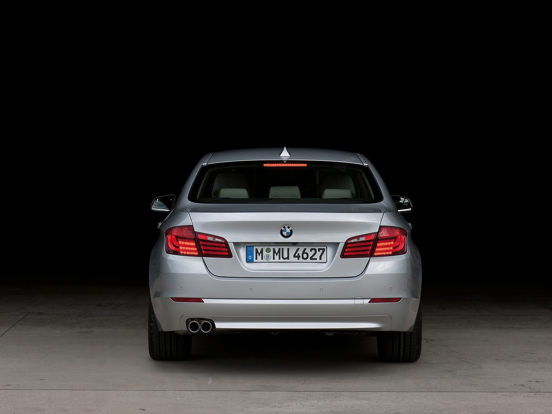 Rear_end_bmw_5_series
