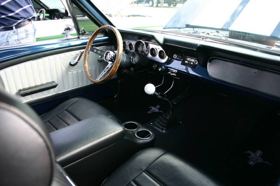 Ford Mustang  Exterior Dashboard
