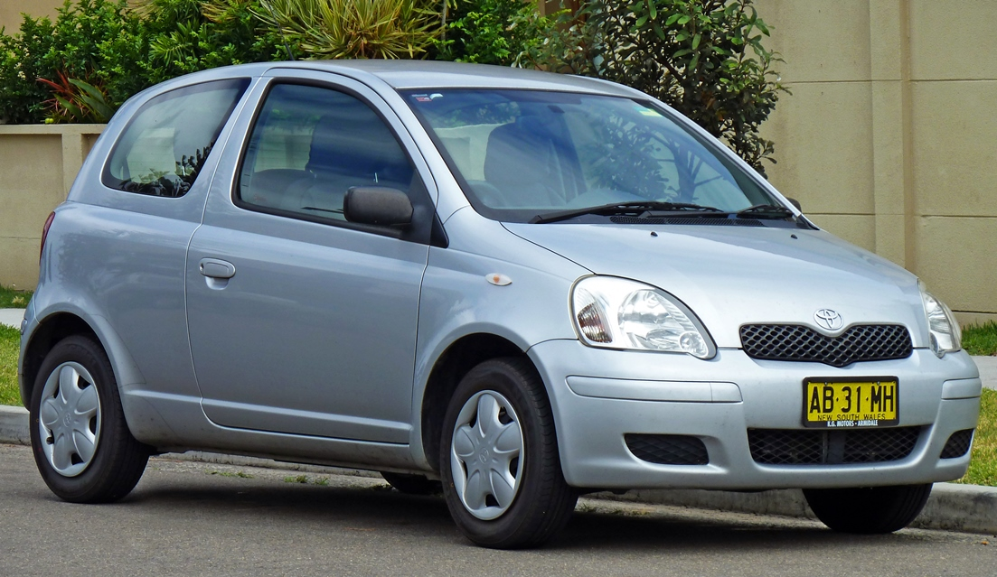 Toyota Vitz 2004 Exterior Front Side View