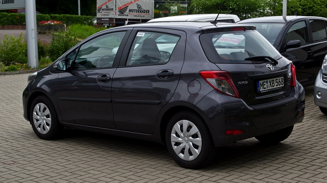 Toyota Vitz  Exterior Rear View