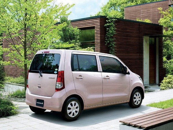 Suzuki Wagon R 2018 Exterior Rear Side View