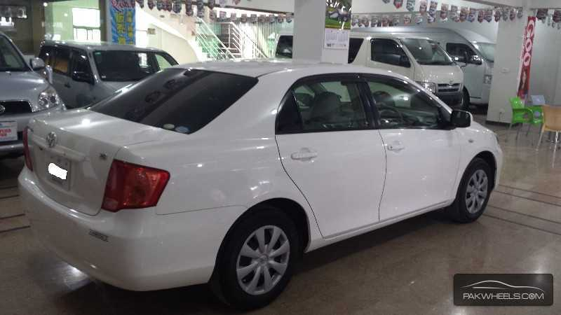 Toyota Corolla Axio 2012 Exterior Rear Side View
