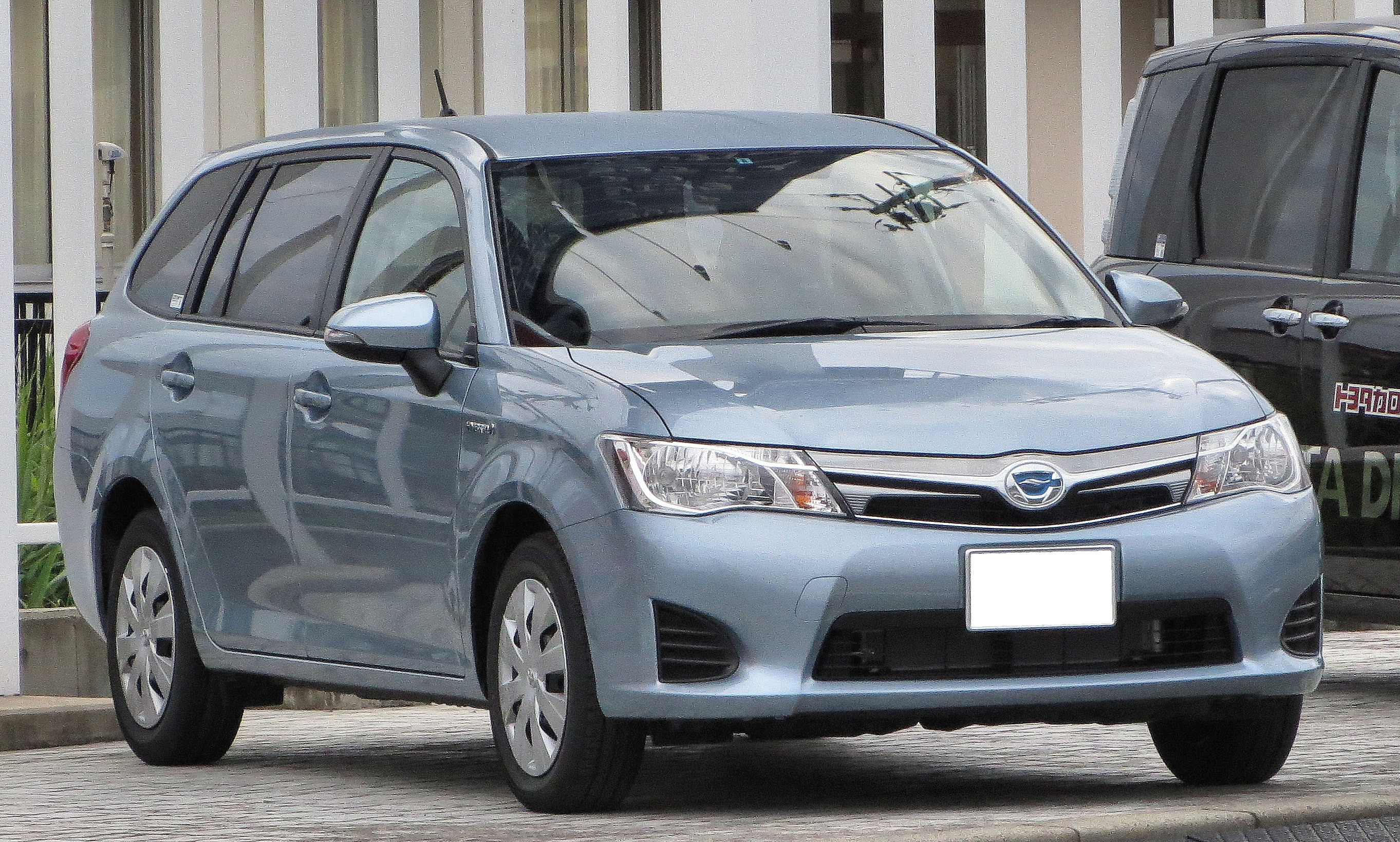 Toyota Corolla Fielder  Exterior Front End