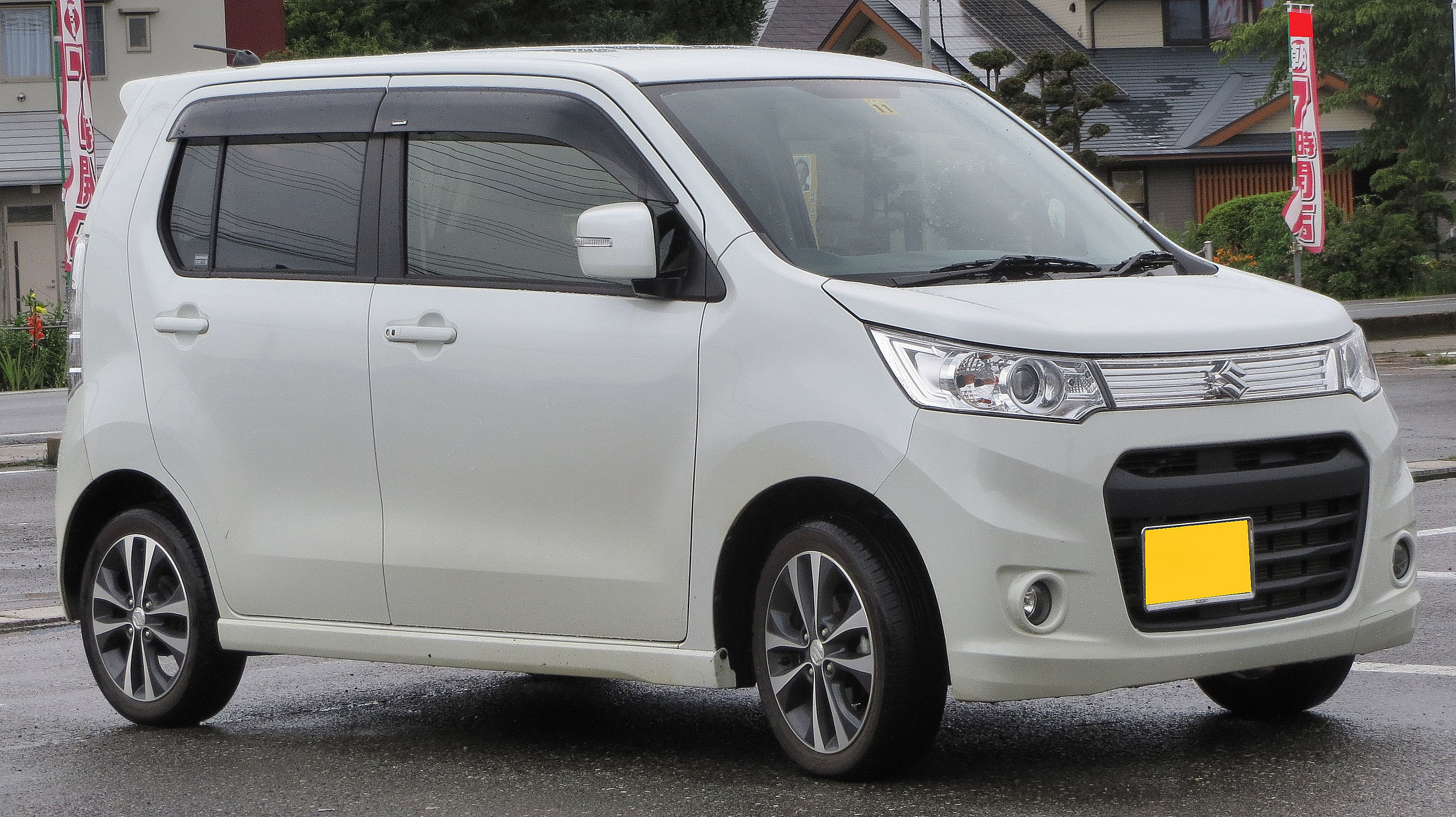 Suzuki Wagon R 2017 Exterior Side View