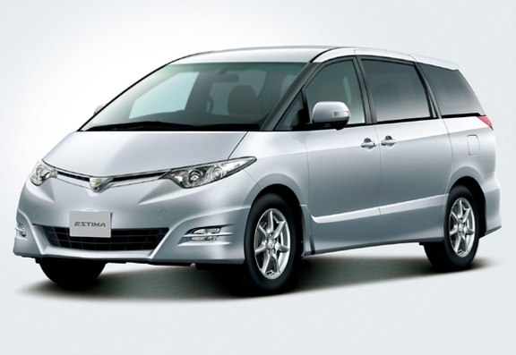 Toyota Estima  Exterior Front Side View