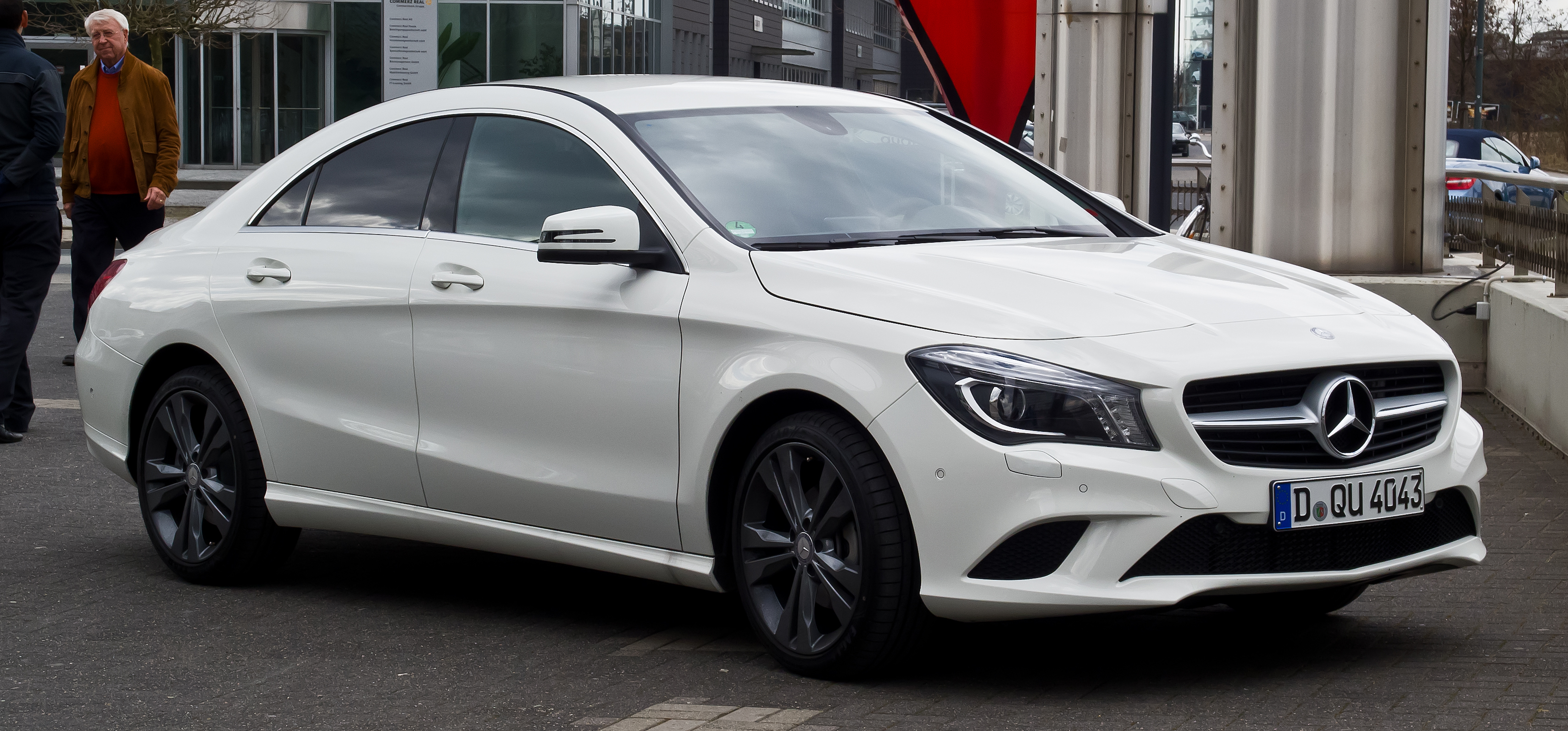 mercedes benz cla class 2017 prices in pakistan pictures. Black Bedroom Furniture Sets. Home Design Ideas