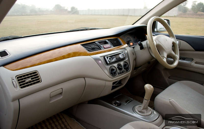 2011 mitsubishi lancer sportback interior royal blue pearl