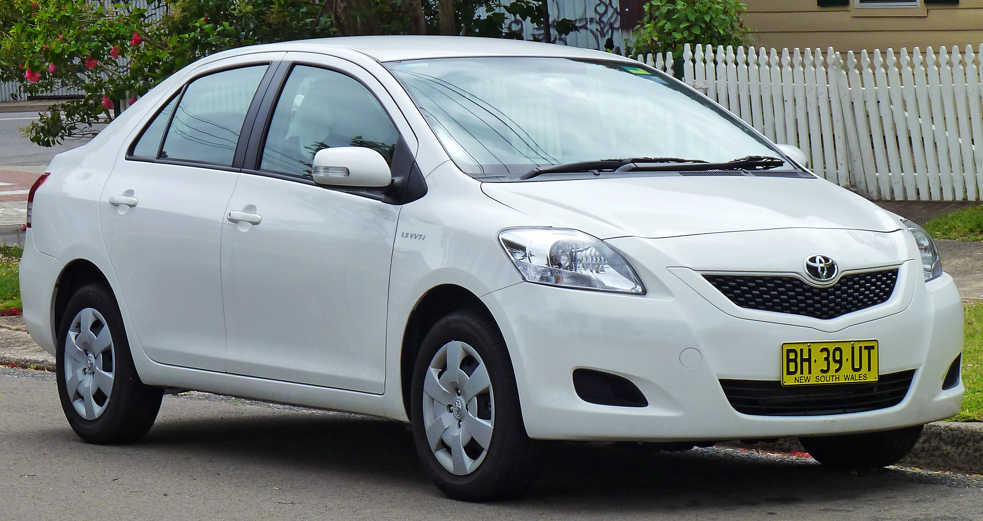 Toyota Belta 2012 Exterior Side View