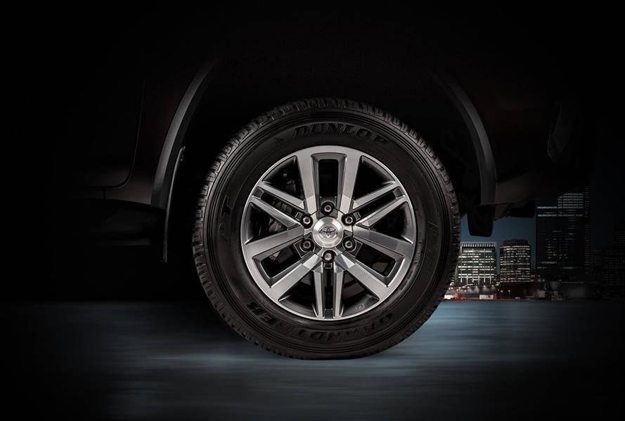 """Toyota Fortuner 2020 Exterior 18"""" Alloy Rims"""