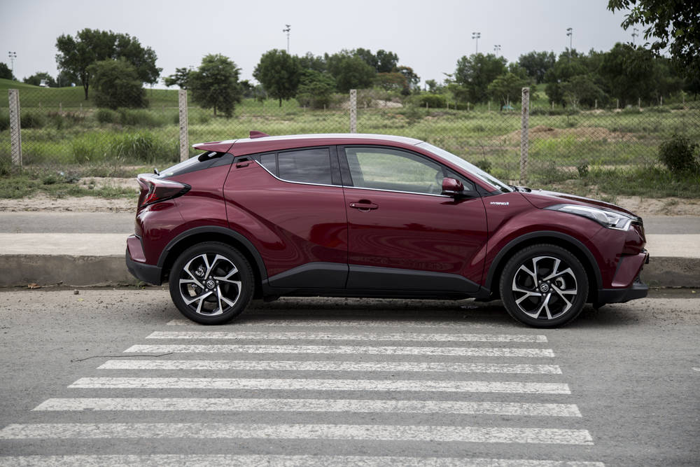 Toyota Chr Price >> Toyota C Hr 2019 Prices In Pakistan Pictures Reviews