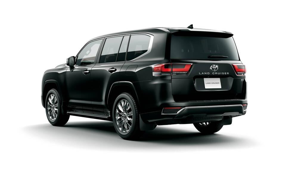 Toyota Land Cruiser Exterior Rear Profile